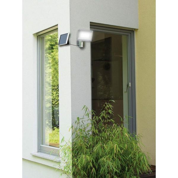 Brennenstuhl Solar LED Strahler - Anwendungsbeispiel für Montage über Eck