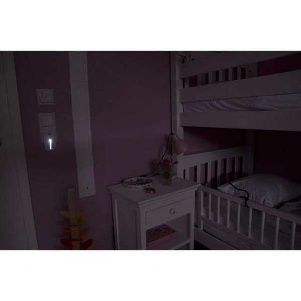 Brennenstuhl LED Nachtlicht - Anwendungsbeispiel mit D??mmerungs-Frontlicht ohne r??ckseitiges Bewegungslicht