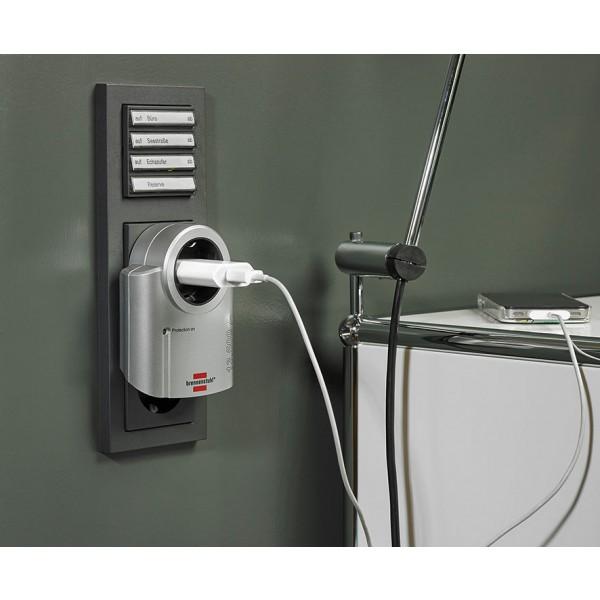 Brennenstuhl Primera-Line Überspannungsschutzadapter Anwendungsbeispiel