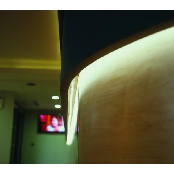 Premium 24V RGB LED Streifen  - Anwendungsbeispiel - weiß
