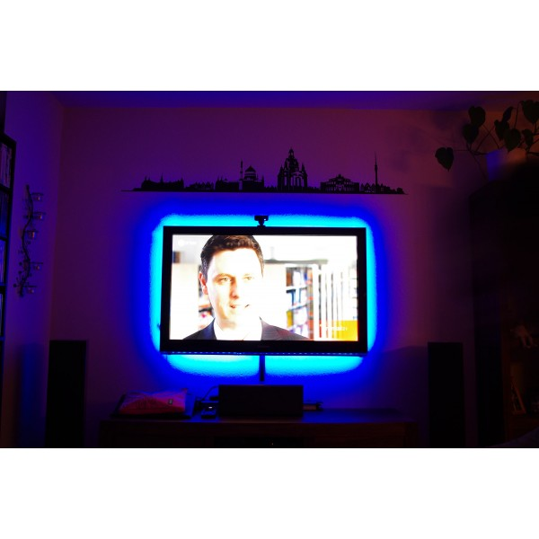 5 m RGB Streifen Set (30 LED/m, IP65) inkl. Controller, 17 Tasten Fernbedienung und 3 A Netzteil