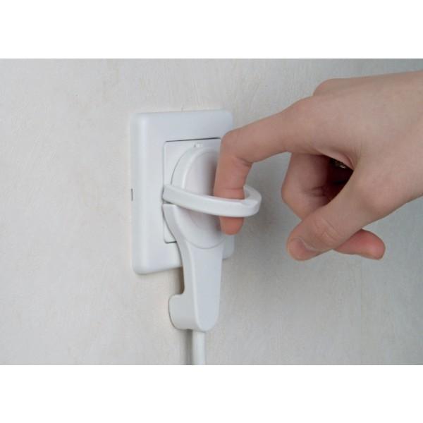 Kopp Verlängerung: extra flacher (8 mm)Schutzkontakt-Winkelstecker – mit Lasche zum einfachen Entfernen des Kabels aus einer Steckdose und Schonen der Verlängerung vor Kabelbruch