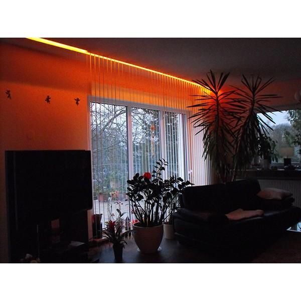 orange Fensterbeleuchtung